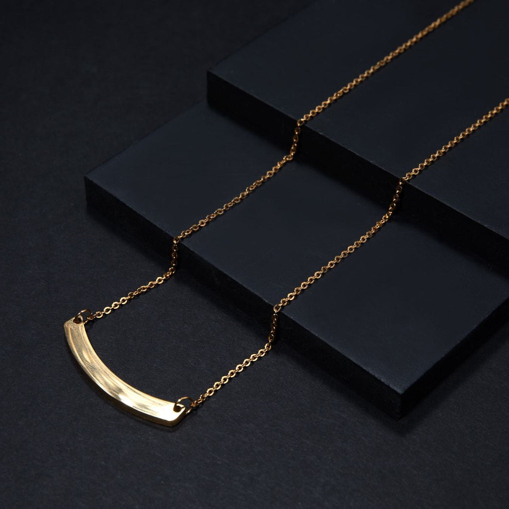 Curved Minimalist Bar | 18k Gold | Necklace