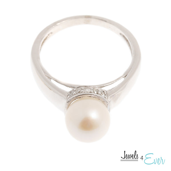 10 Karat Yellow and White Gold Ring set with Cultured Pearl and Diamond