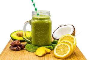 This full-flavoured weight loss smoothie recipe has lovely bright green color that will make you feel healthier just looking at it.  It is also full of fibre from the kiwi, raspberry, apple and celery, which will help your body naturally eliminate harder-to-digest foods.