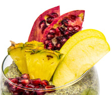 Cargar imagen en el visor de la galería, The combined benefits of chia seeds with the energy power of Matcha green tea make this pudding high in antioxidants, nutrition and fibre.  The vibrant assortment of fresh superfruits – pomegranate, kiwi, apple, and pineapple – add extra minerals and vitamins so you can start your day with a bang and a smile!