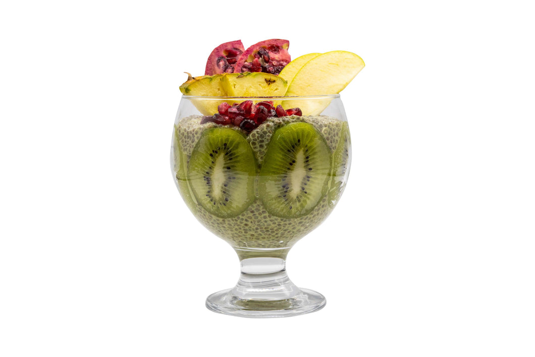 The combined benefits of chia seeds with the energy power of Matcha green tea make this pudding high in antioxidants, nutrition and fibre.  The vibrant assortment of fresh superfruits – pomegranate, kiwi, apple, and pineapple – add extra minerals and vitamins so you can start your day with a bang and a smile!