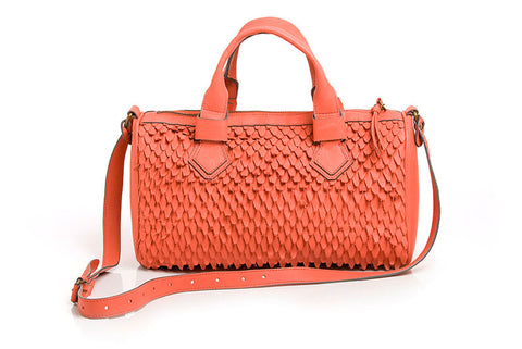 BAÚ BARREL BAG in GRAVETO WEAVE - Guava Red
