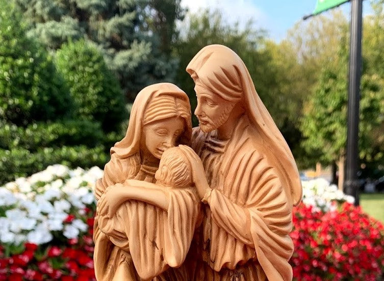 Woodcarvings Support Bethlehem