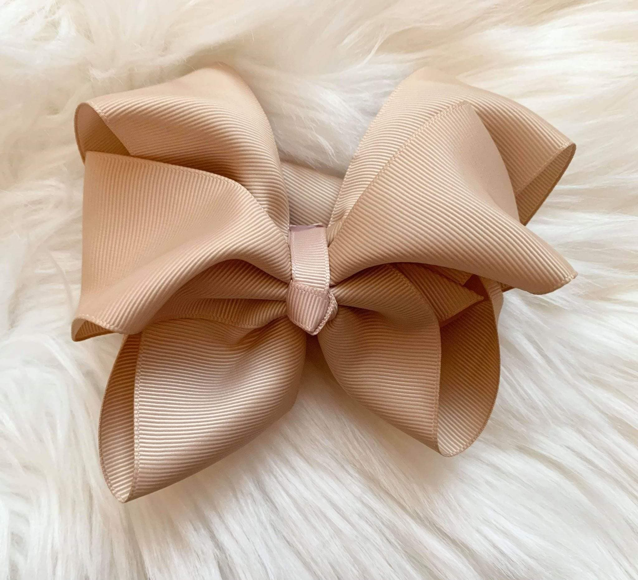 Mariposa Children's Boutique Hairbow Hairbow Camel 6""
