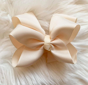 Mariposa Children's Boutique Hairbow Hairbow Cream 6""