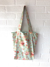 Load image into Gallery viewer, Floral Canvas tote Bag