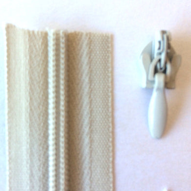 Beige Continuous Zipper Roll, Invisible / concealed, Size 3
