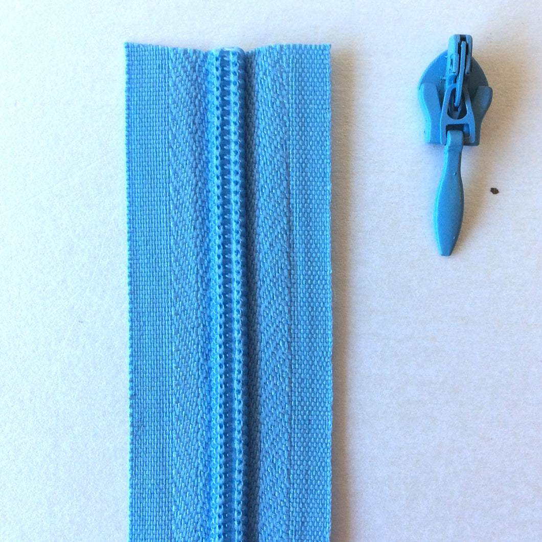 Mid Blue Continuous Zipper Roll, Invisible / concealed, Size 3