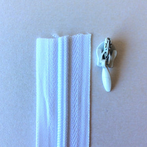 White Continuous Zipper Roll, Invisible / concealed, Size 3