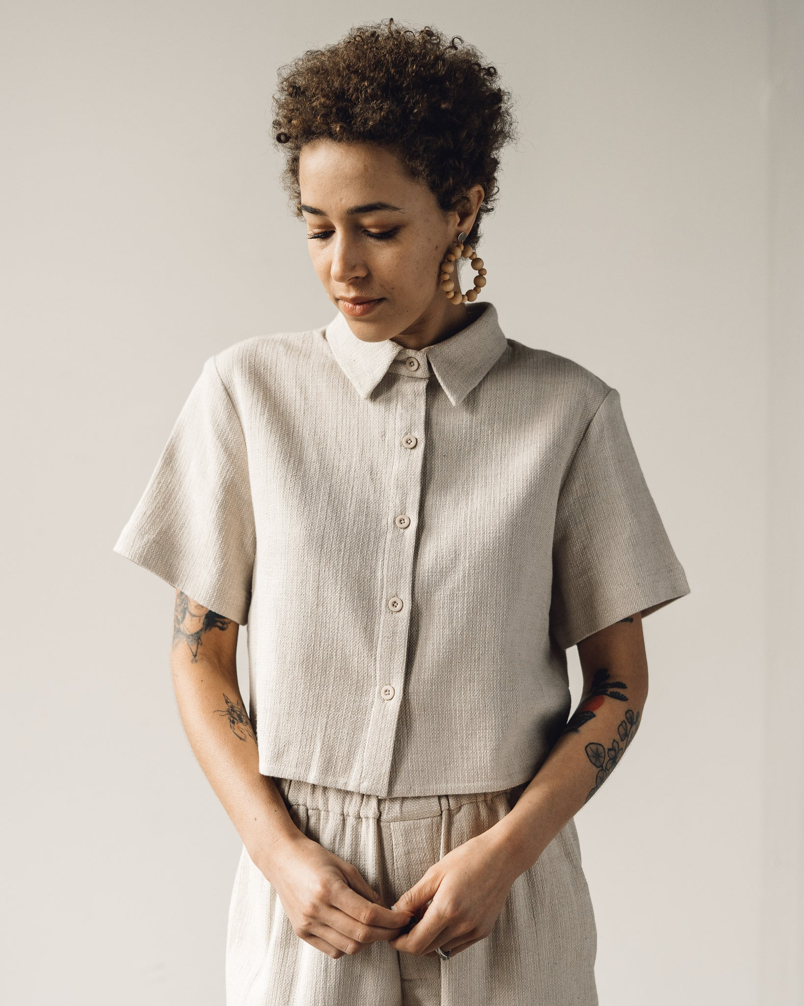 7115 Cropped Button Down