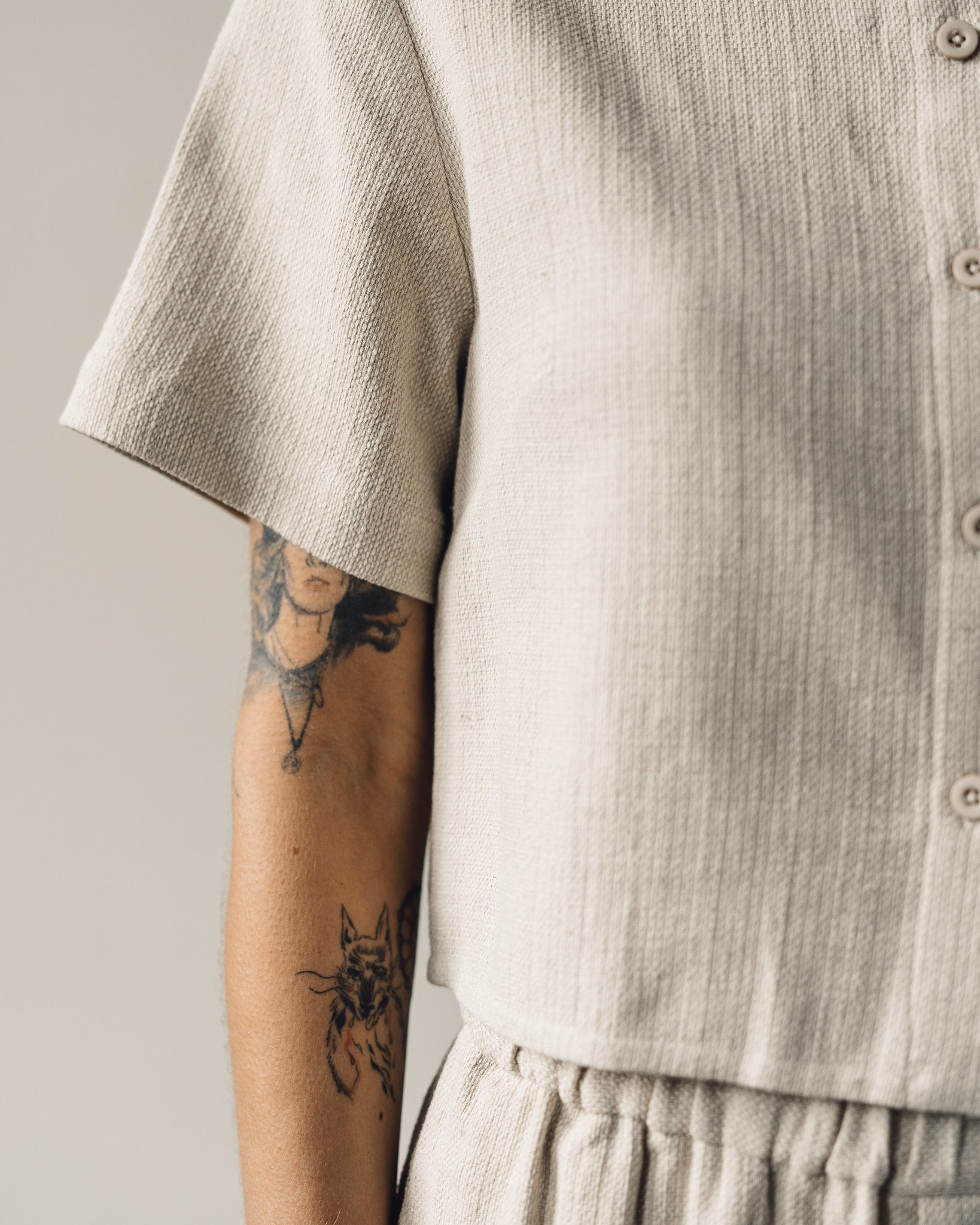 7115 Cropped Button Down, Oatmeal