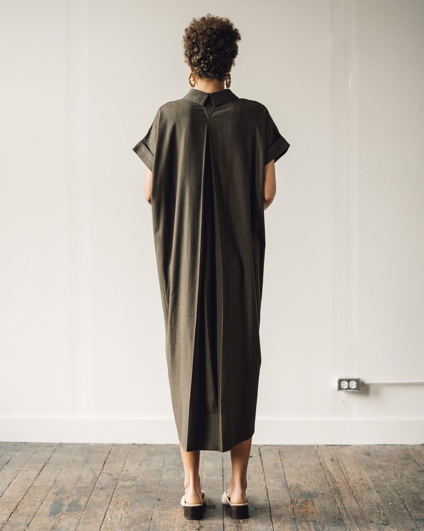 7115 Signature Maxi Shirtdress, Olive