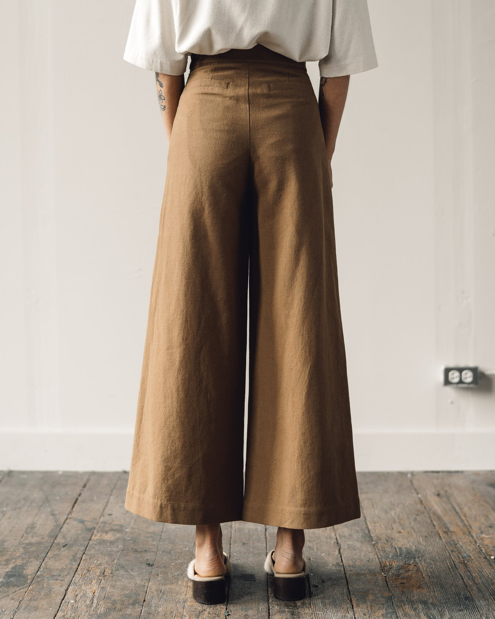 7115 Wide-Legged Trouser, Caramel