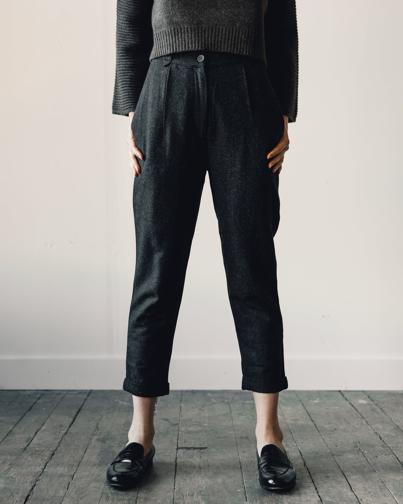 7115 Wool Cropped Trouser, Charcoal