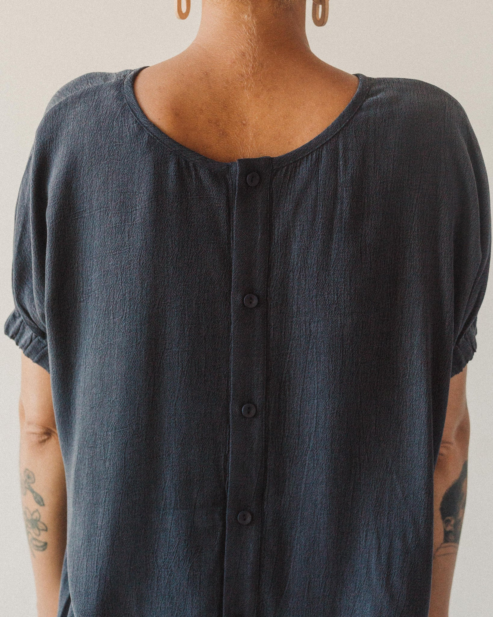 7115 Shirred Cuff Top, Navy