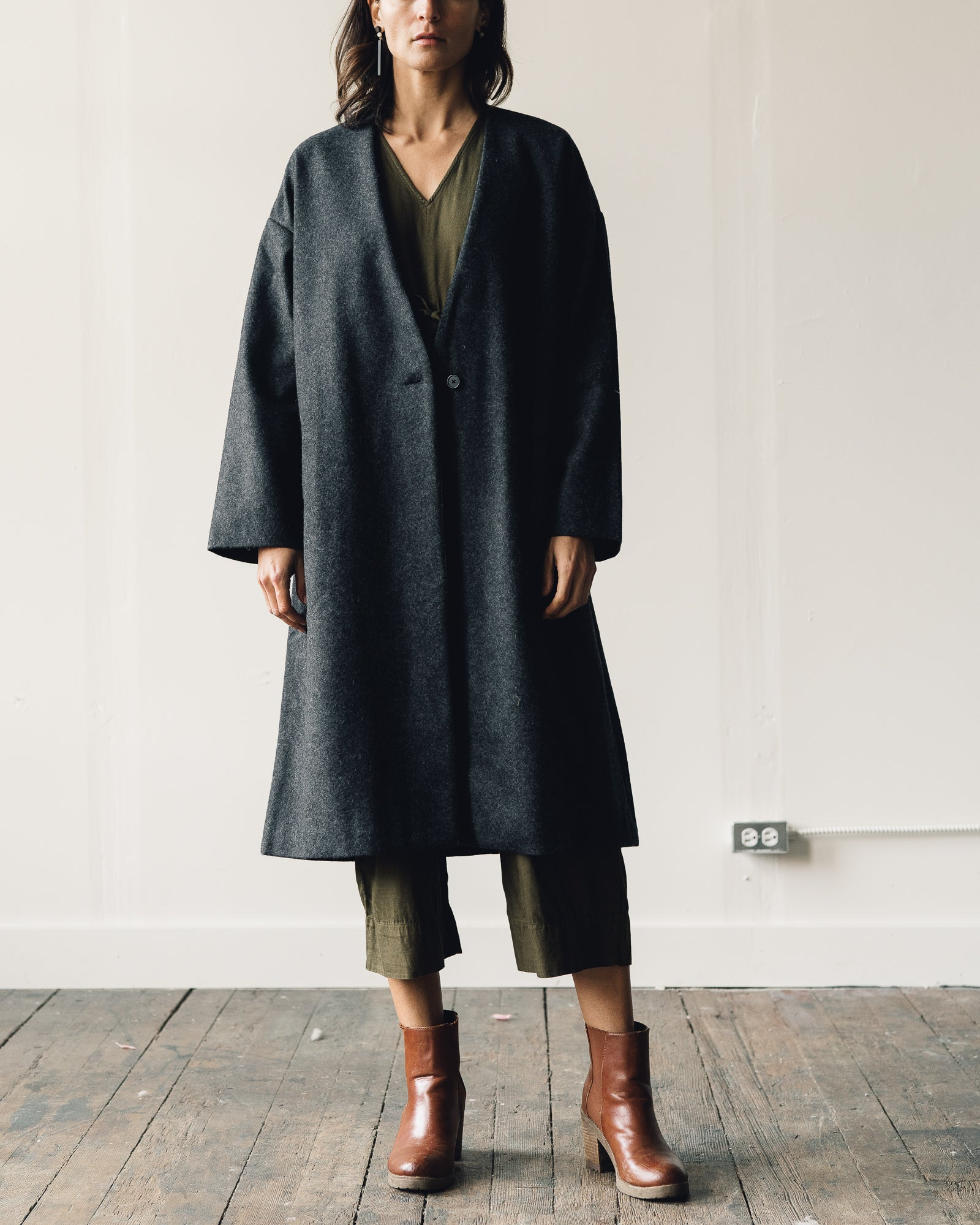 Ali Golden VNeck Coat, Charcoal