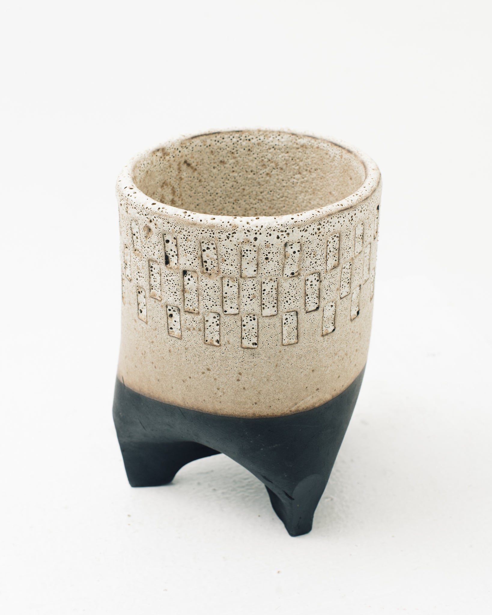 Ayame Bullock Three Legged Planter Pot