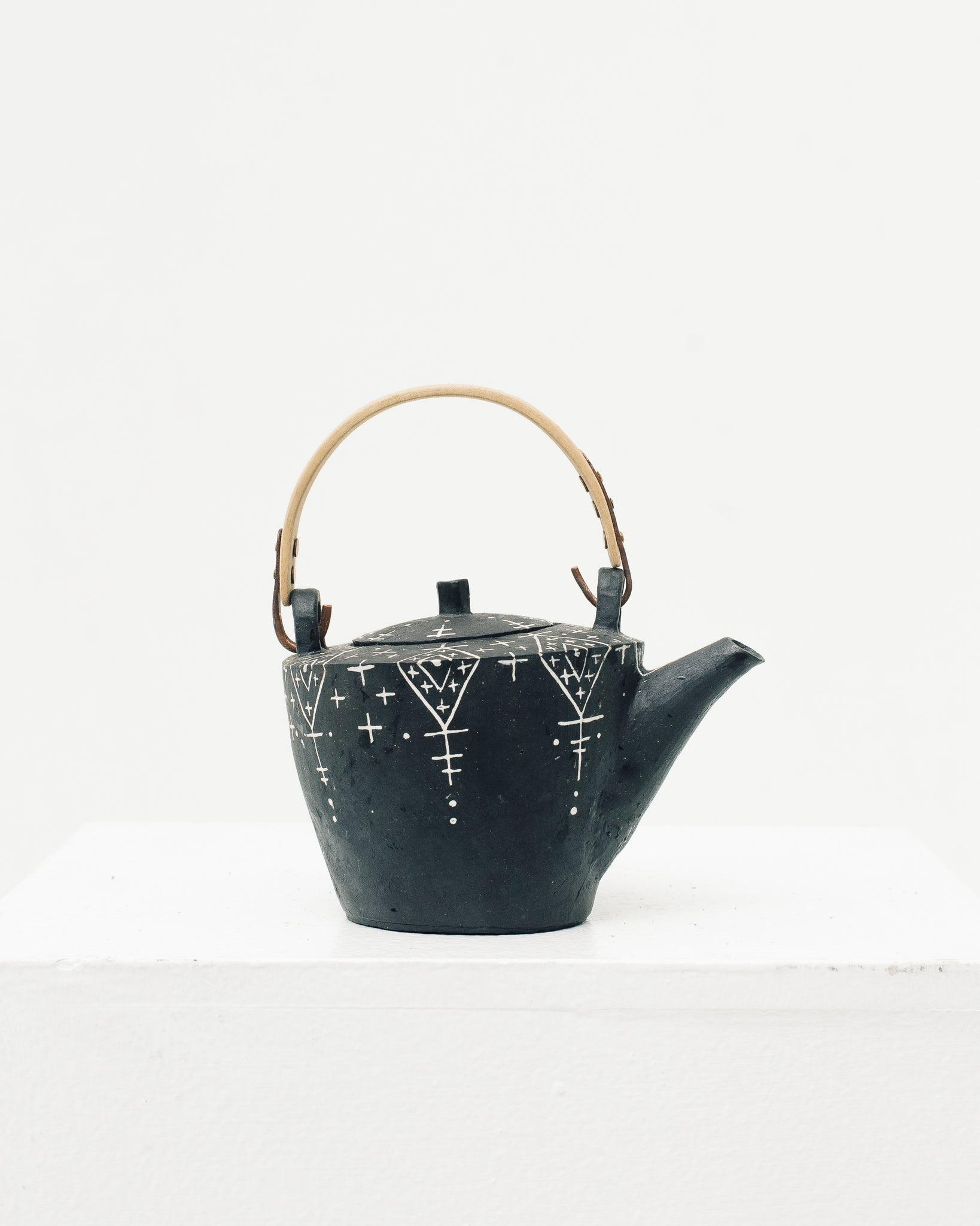 Ayame Bullock Black Mudcloth Teapot, Wood Handle
