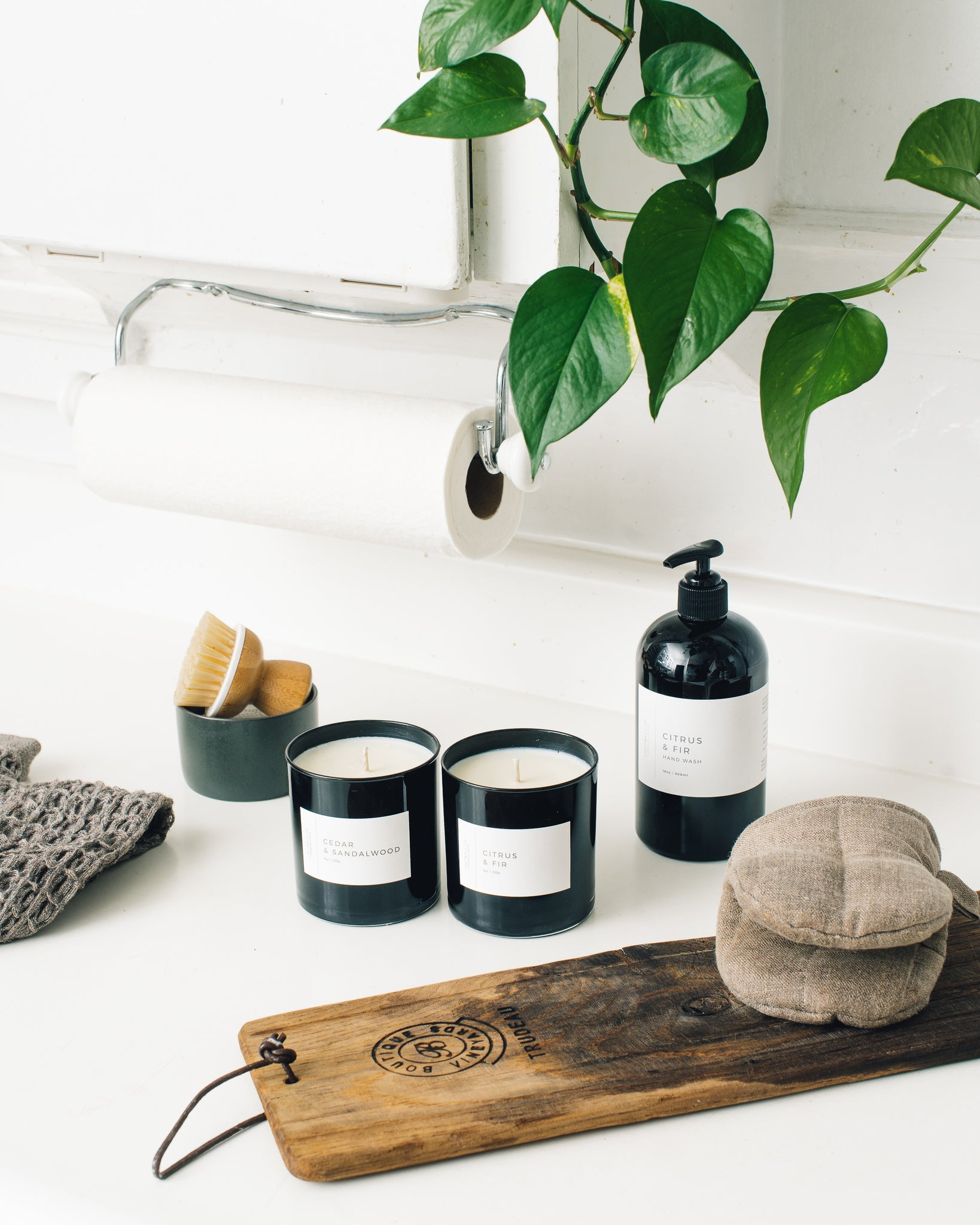 Lightwell Black Tumbler Candle