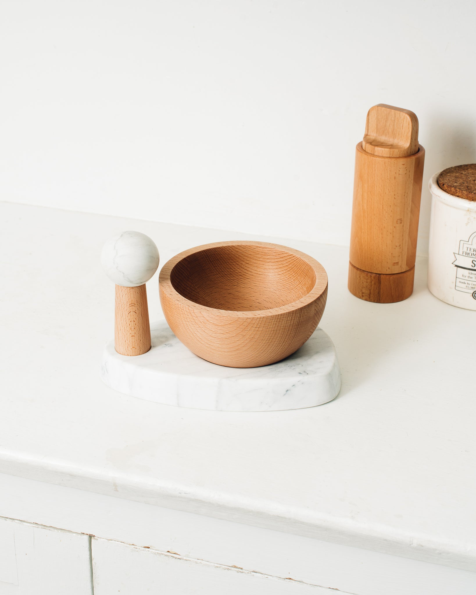 Umbra Studio Crux Mortar & Pestle