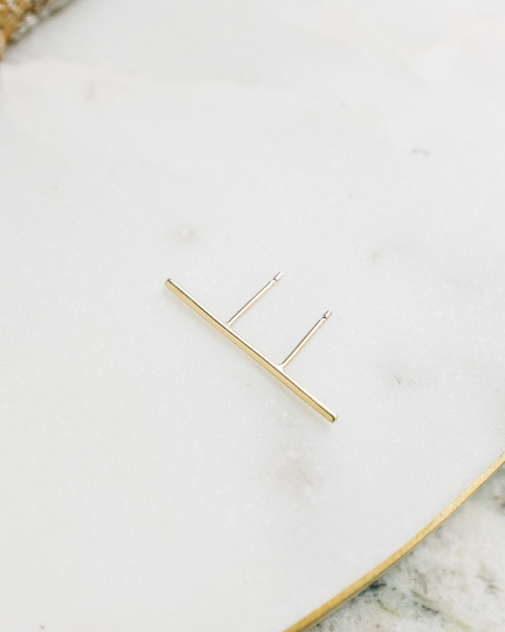 Mirta Thin Line Earring