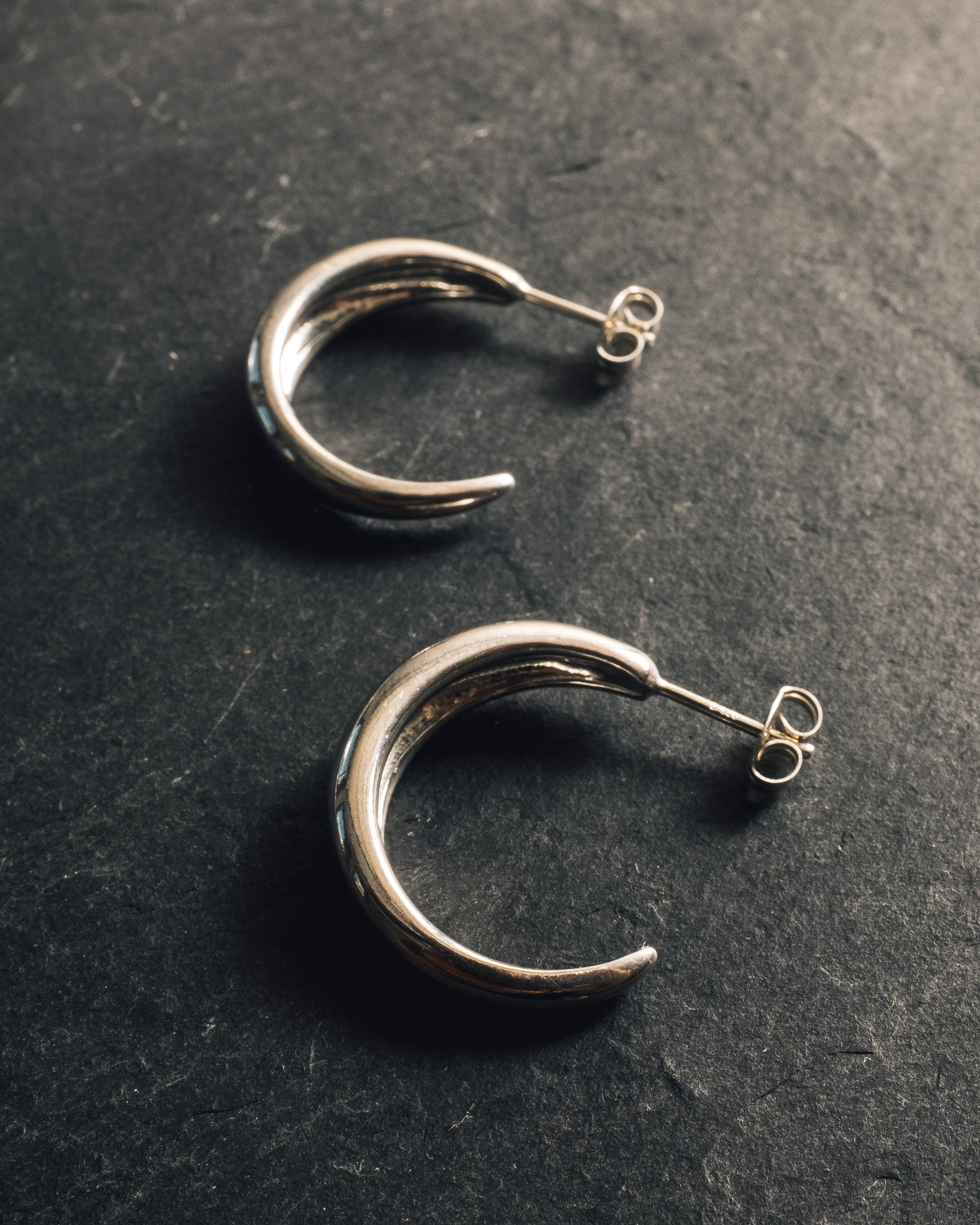 Another Feather Dorsal Hoops, Silver