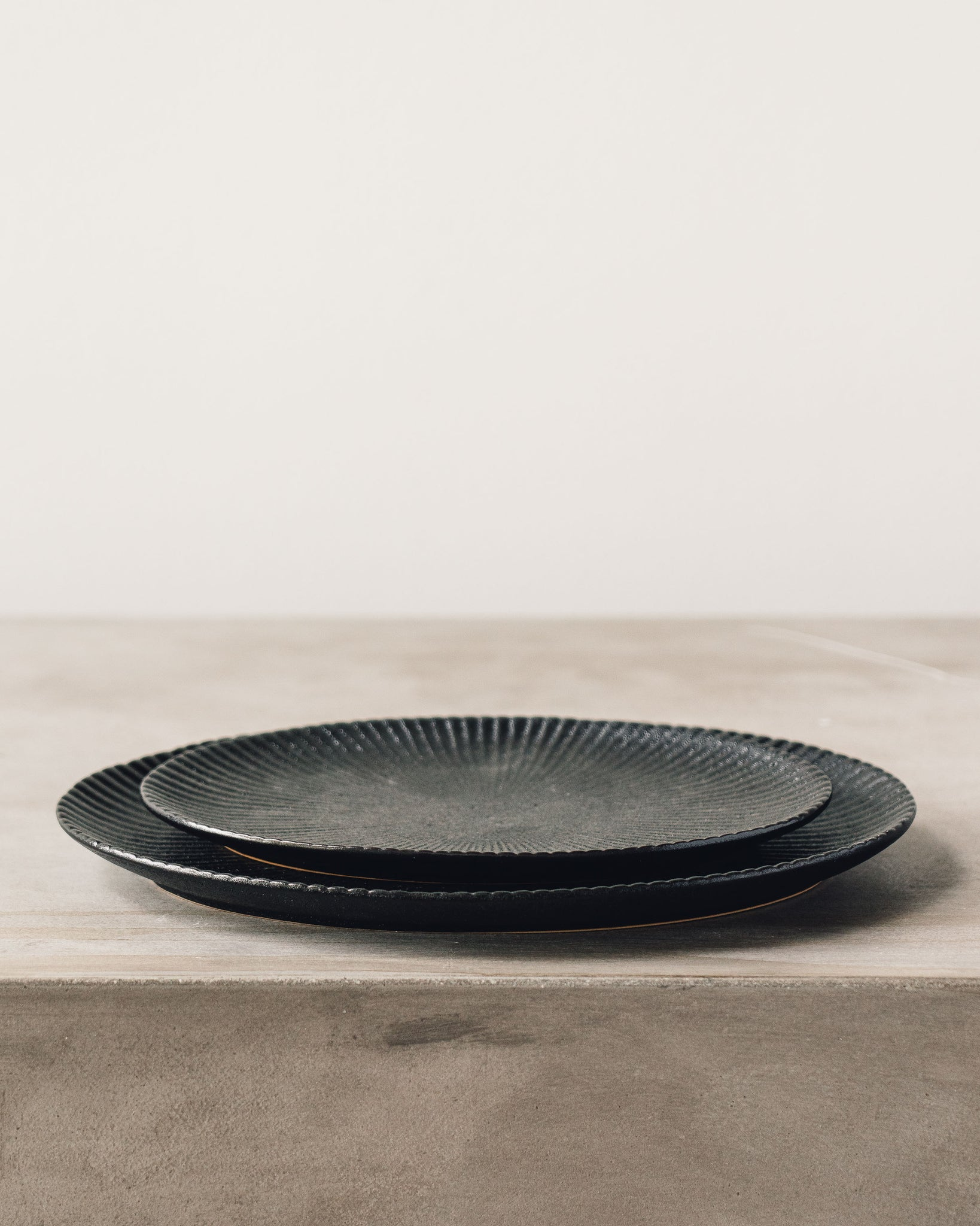Dominic Ribbed Oval Plate