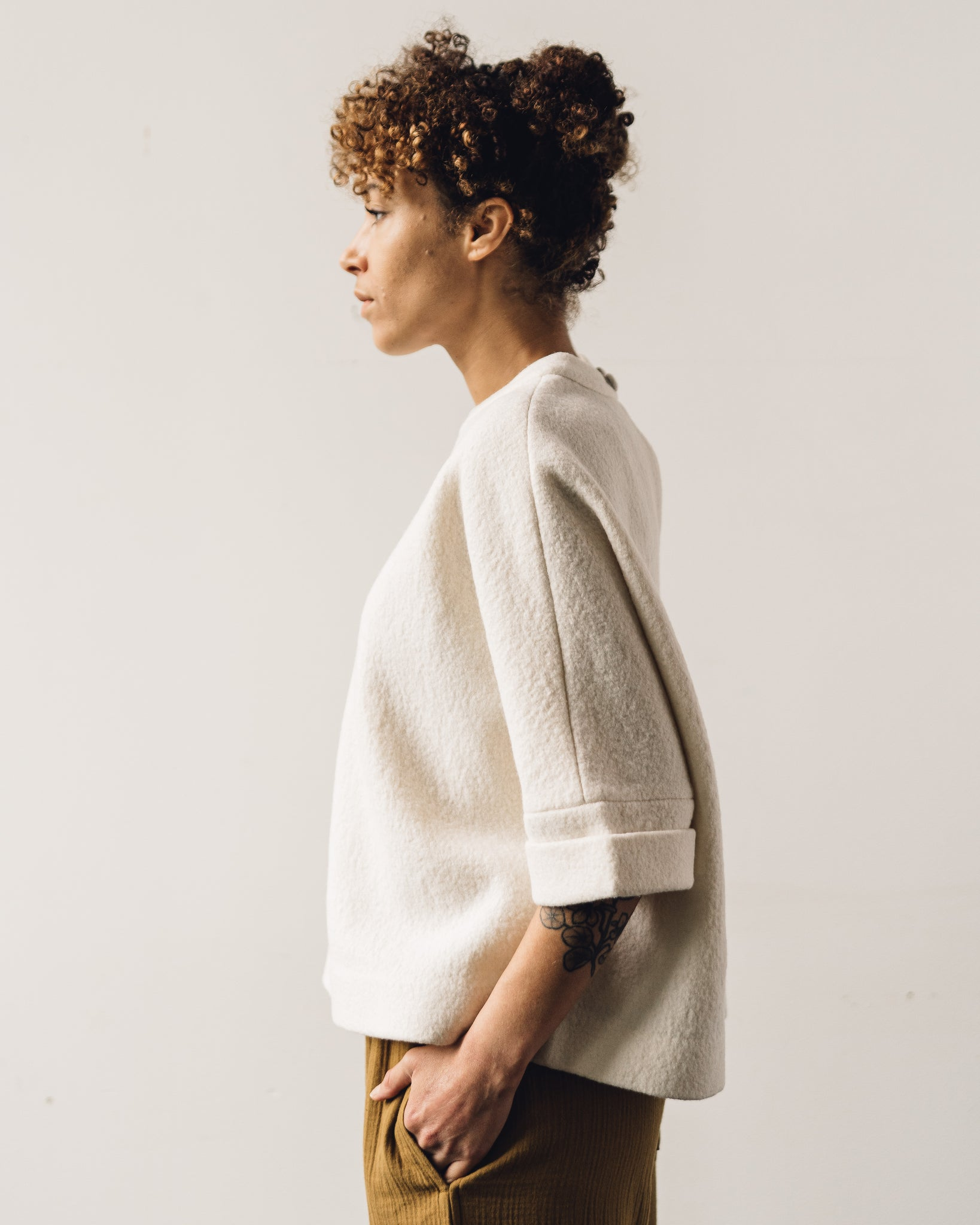 7115 Relaxed Square Wool Top, Off-White