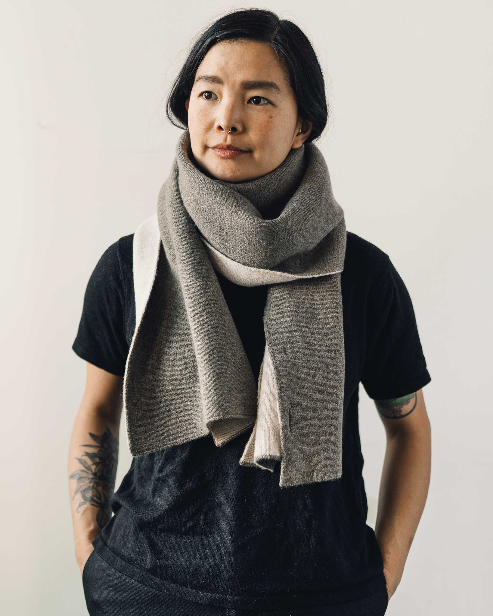 7115 Double Sided Scarf, Gray/Cream