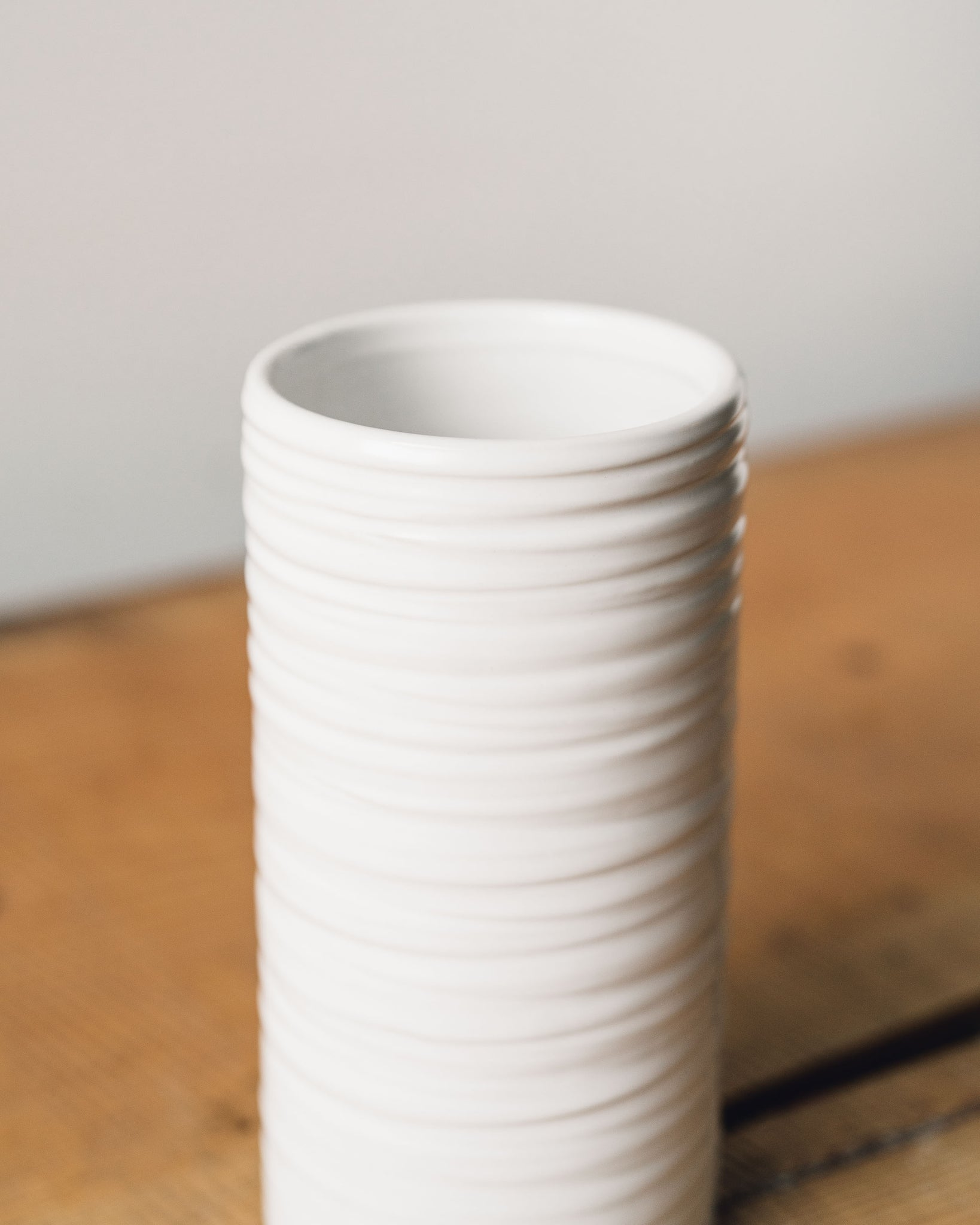 Everest Ribbed Vase, White