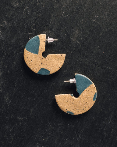 Barrow Clave Stud Earrings