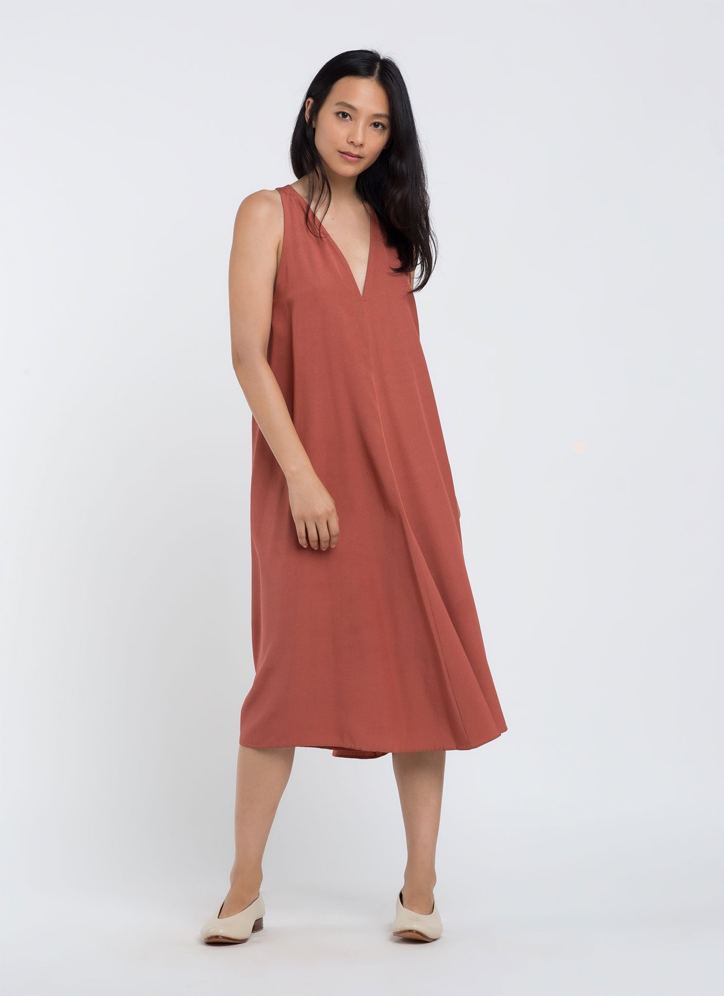 Kaarem Sum Sleeveless V-Neck Silk Dress