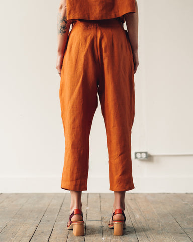 Kaarem Ceiba Relaxed Pleated Crop Pant, Red Sand