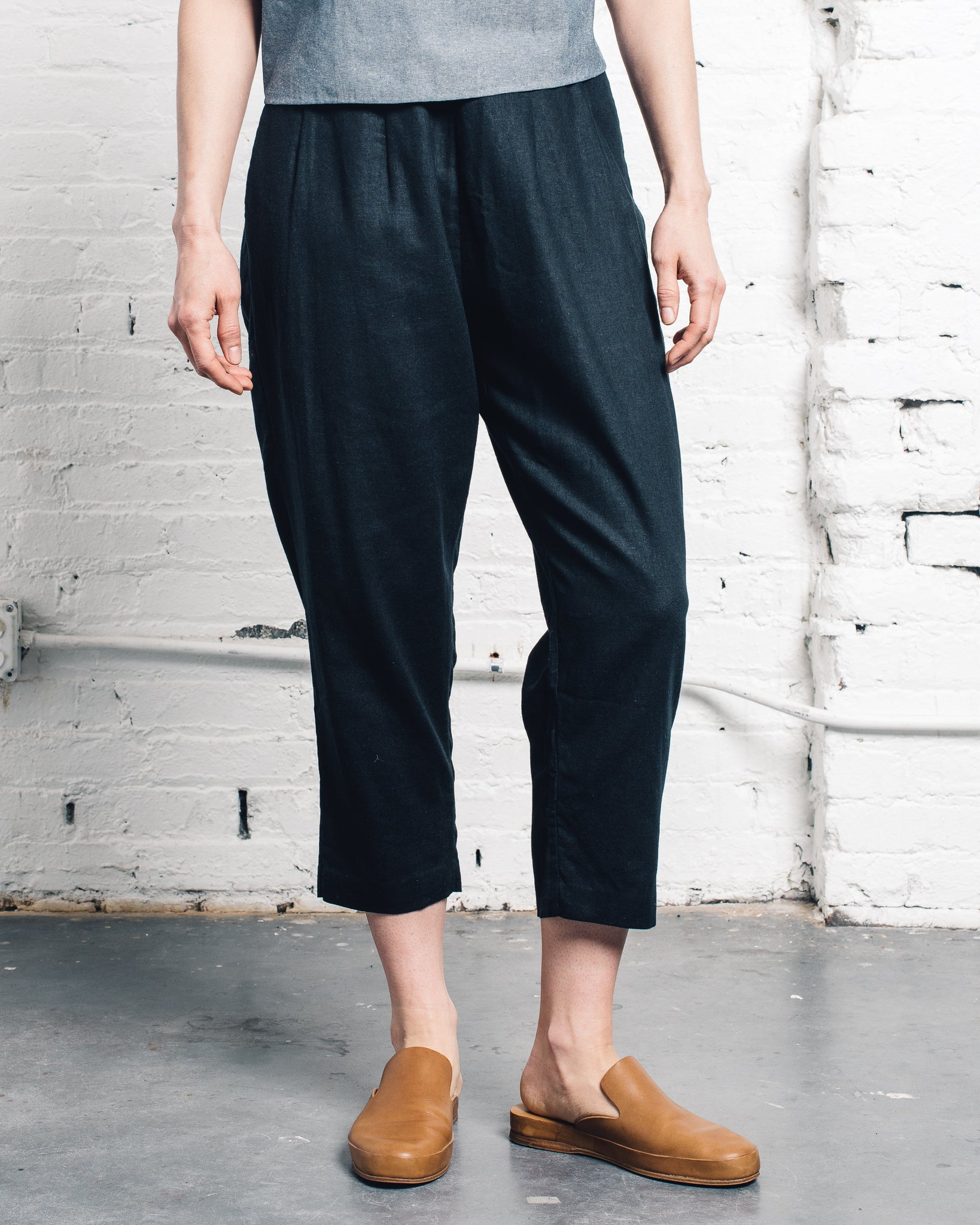 Kaarem Forage Pleated Pocket Pant
