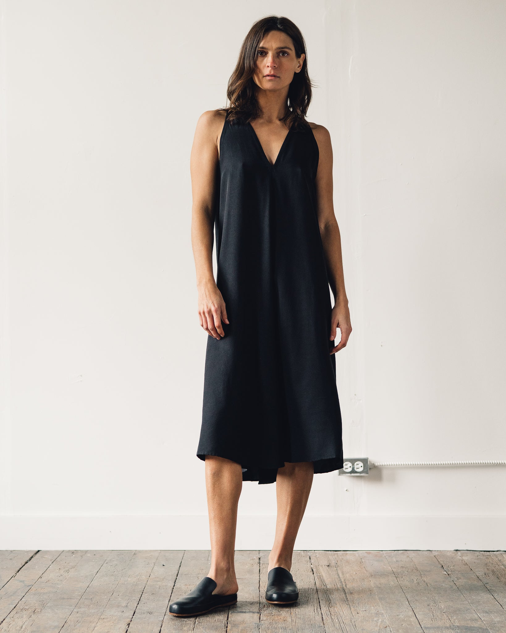 Kaarem Sum Sleeveless V-Neck Dress