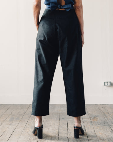 Kaarem Waxy Pleated Tapered Cropped Pant, Black