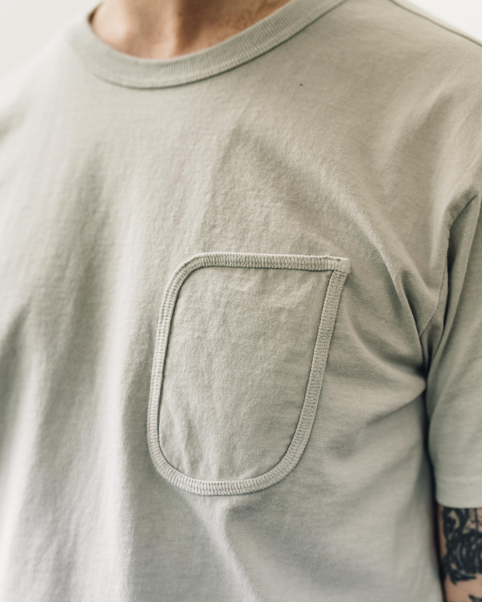 Lady White Clark Pocket Tee, Stone Grey