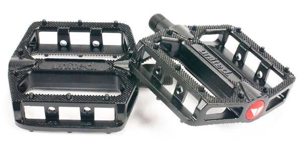 United Supreme Alloy Pedals Black - THE BOARDING HOUSE EXETER DEVON EX43AN