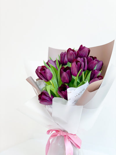 LA ATELIER SINGAPORE PTE LTD | Timeless Minimalist Moon Tulips Hand-tied