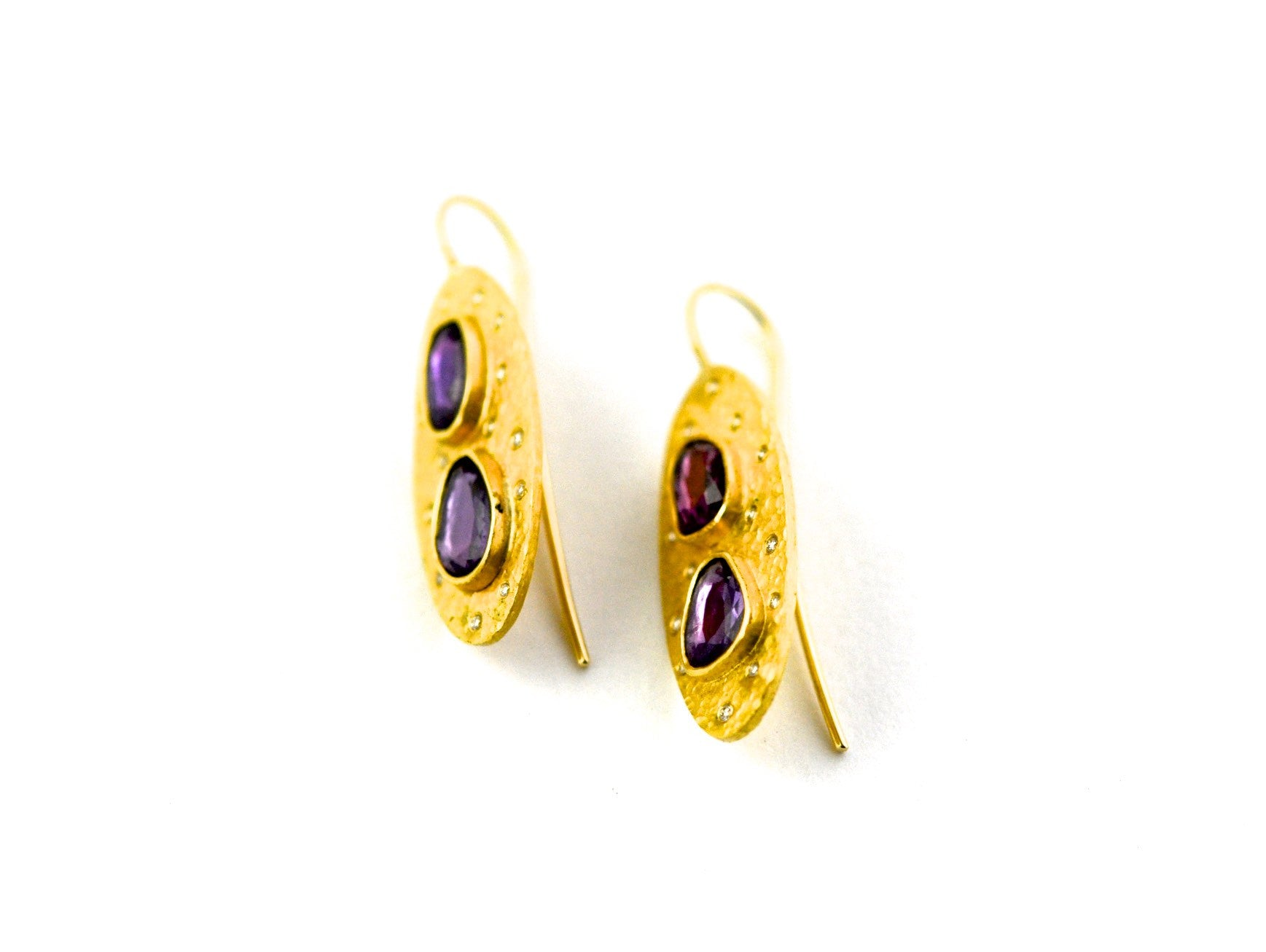 earrings / gold hammered 22k + rose cut sapphires
