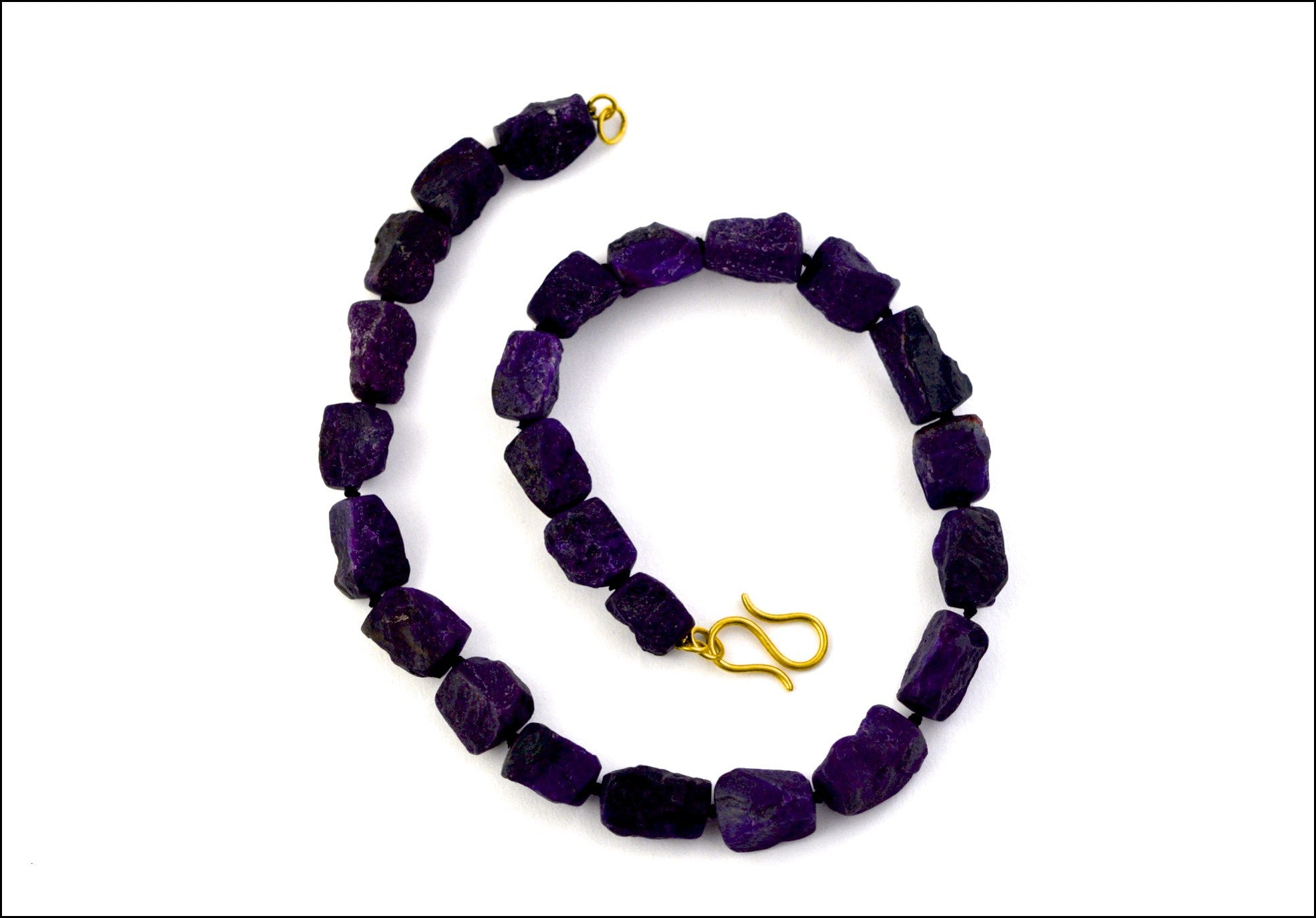 necklace / strand sugalite + gold clasp