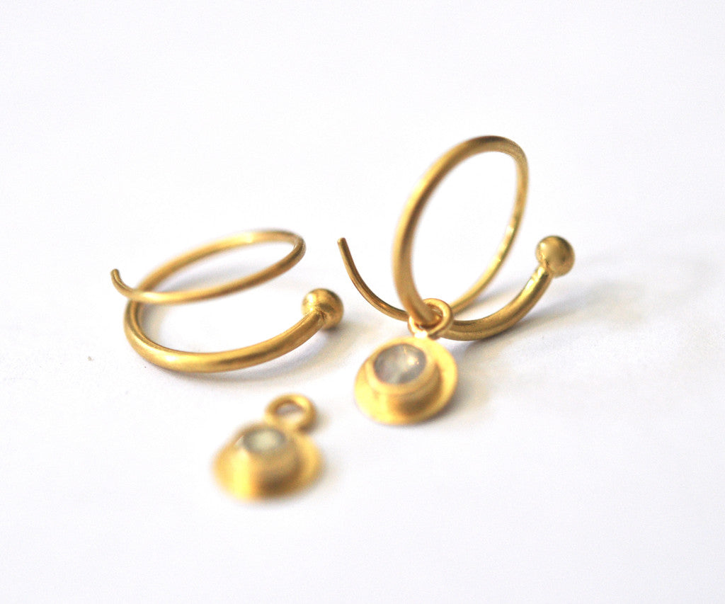 earring / gold simple hand fabricated tapered hoop earrings
