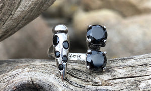 Black Cz Point 2cap - Valou ::: Home of the Original 3cap ring design :::