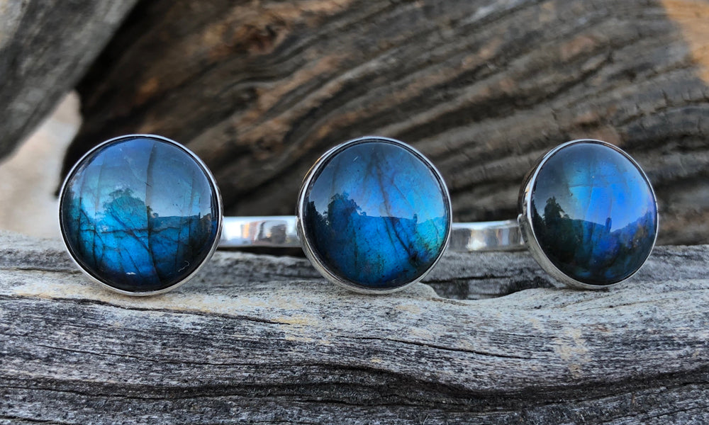 Blue Labradorite 3cap - Valou ::: Home of the Original 3cap ring design :::
