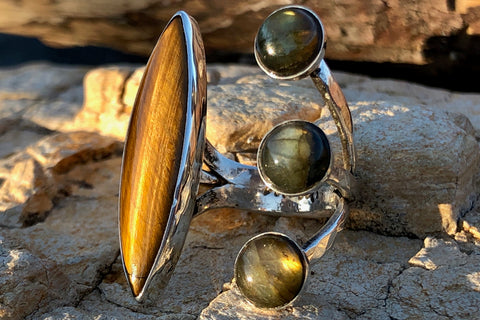 Golden Labradorite Tiger Eye ring - Valou ::: Home of the Original 3cap ring design :::