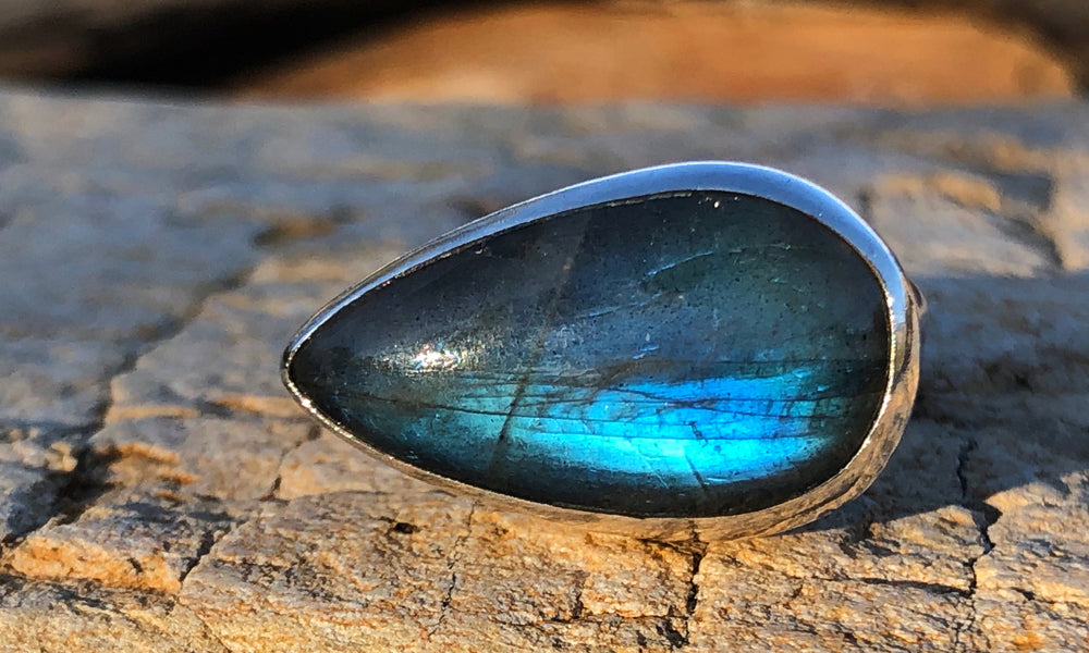 Labradorite ring #6 - Valou ::: Home of the Original 3cap ring design :::