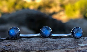Blue Moonstone 3cap - Valou ::: Home of the Original 3cap ring design :::