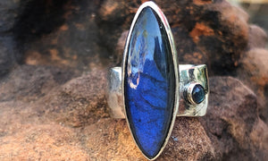 Labradorite ring #5 - Valou ::: Home of the Original 3cap ring design :::