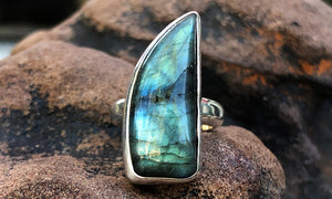 Labradorite ring #1 - Valou ::: Home of the Original 3cap ring design :::