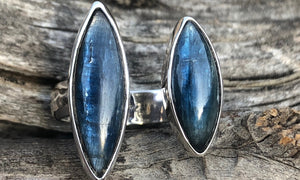Blue Kyanite 2cap - Valou ::: Home of the Original 3cap ring design :::